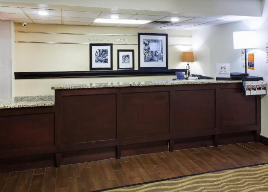 Hampton Inn Conway: Reception