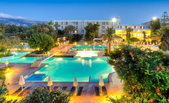 Caravia Beach Hotel: Outdoor Pools