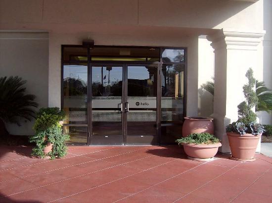 Adel, GA: Entrance to the Lobby