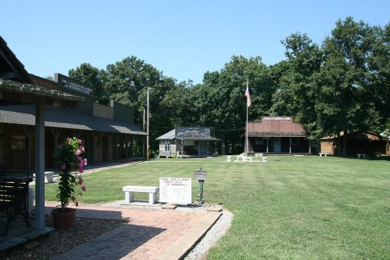 Mount Vernon, IL: Historical Village