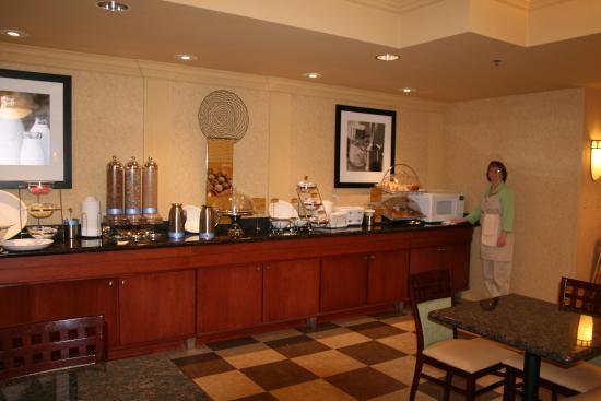 Mount Vernon, IL: Breakfast Serving Area