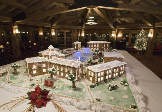 Point Clear, AL: The Grand Gingerbread Resort