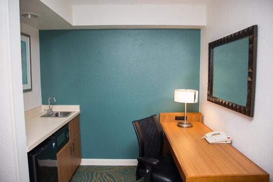 SpringHill Suites Jacksonville : Wet Bar