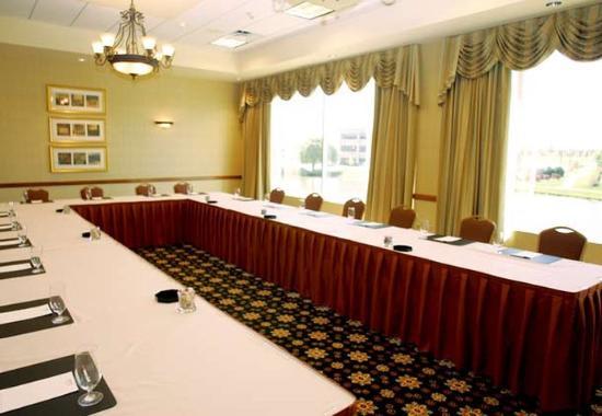 Burr Ridge, IL: Conference Room