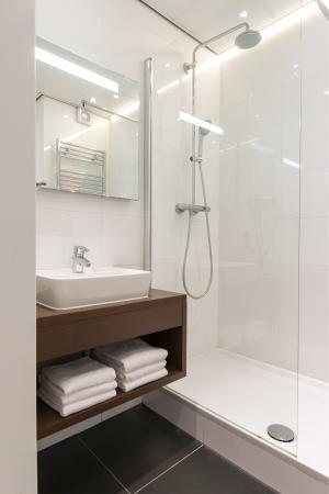 Hotel Citadel: Bathroom