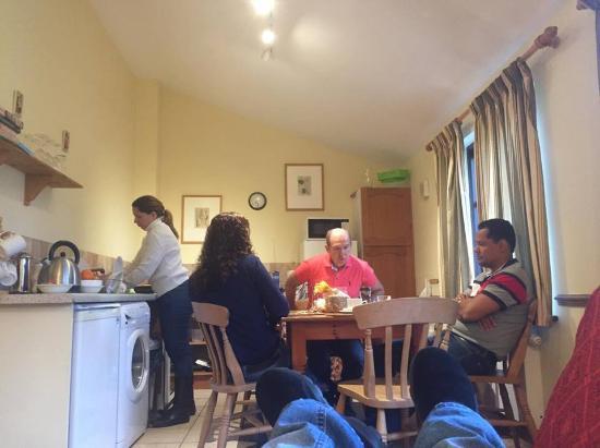 Britford, UK : Kitchen and dinning room