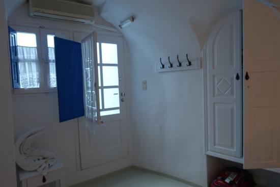 Artemis Villas: 2nd bedroom entrance onto patio