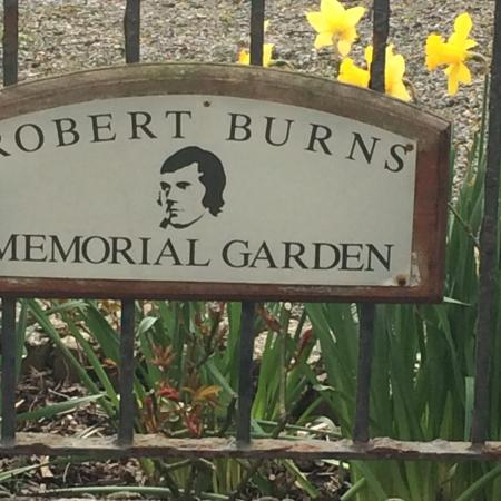 ‪The Burns Memorial garden‬