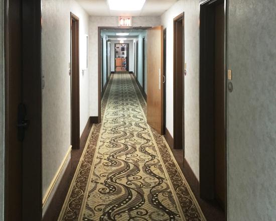Ogallala, NE: Interior corridor