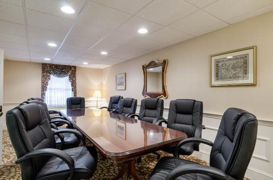 Auburn, MA: Conference Room
