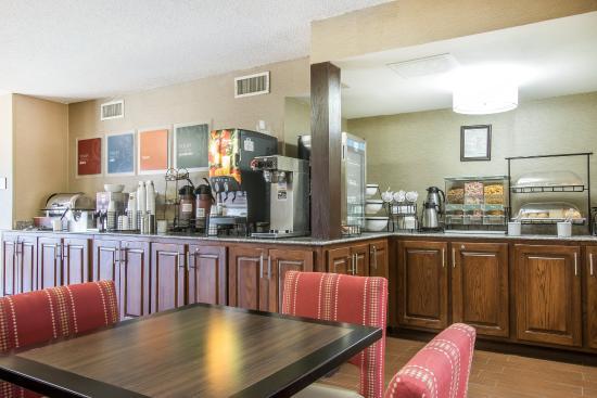 Livingston, AL: Breakfast