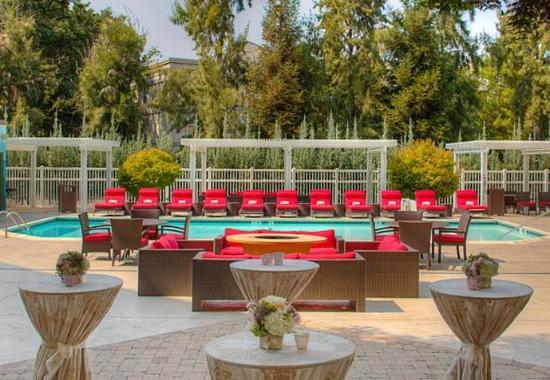 Pleasanton, Californië: Poolside Events