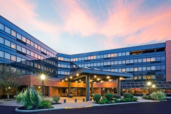 Photo of Crowne Plaza Hotel Edison