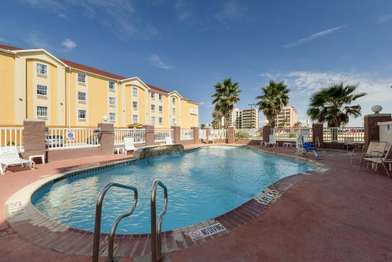 Holiday Inn Express & Suites Corpus Christi-N Padre Island: Pool