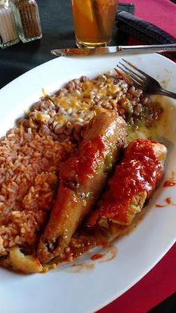 Corrales, Nuevo Mexico: Chili Relleno Plate with red & green sauce