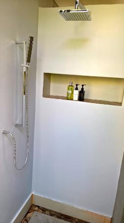 The Olive Exclusive: Dusche, Zimmer 3
