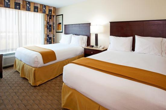 Holiday Inn Express Columbus at Northlake: Double Queen Bed Guest Room