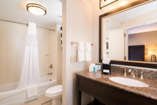 Shelton, CT: Bathroom