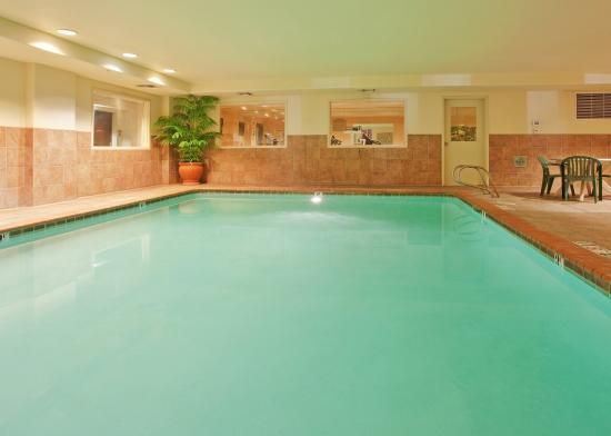 Holiday Inn Express Woodland Indoor Swimming Pool