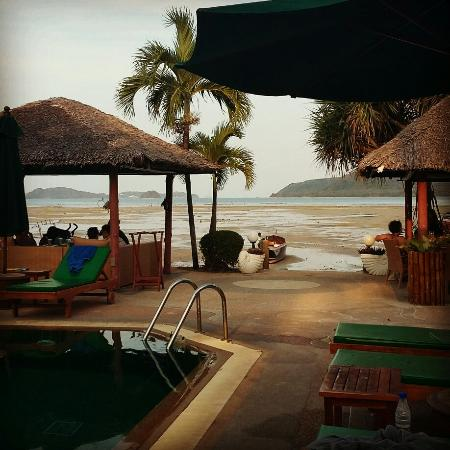 Friendship Beach Resort & Atmanjai Wellness Centre: IMG_20160420_190236_large.jpg