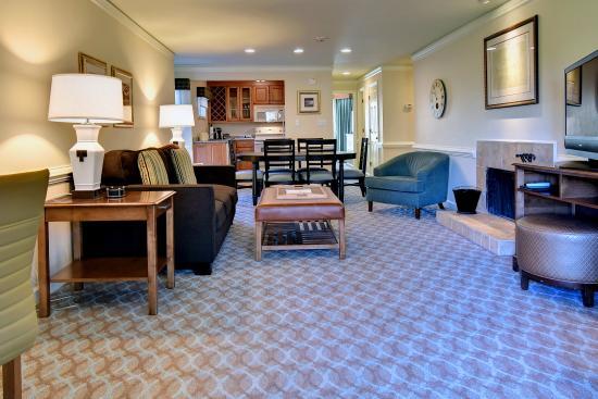 one bedroom condo. Kingsmill Resort  One Bedroom Condo Picture of Williamsburg