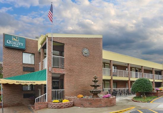 Quality Inn Mount Vernon: Exterior