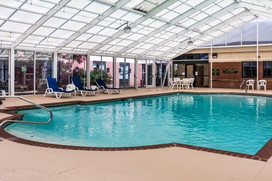 Quality Suites At Lake Wright 89 1 1 9 Updated 2018 Prices Hotel Reviews Norfolk Va