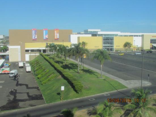 Courtyard Panama at Metromall Mall: Esta es la vista desde la habitacion.