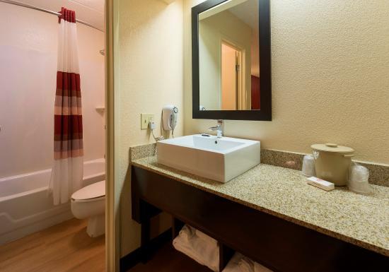 ออกซอนฮิลล์, แมรี่แลนด์: Bathroom