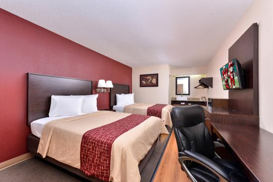 Champaign, IL: Deluxe 2 Full Beds