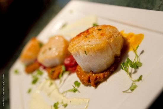Leesburg, VA: Food-Scallops Dish