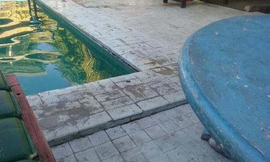 โรงแรมซายัง มาฮา เมอร์ธา: Pool area