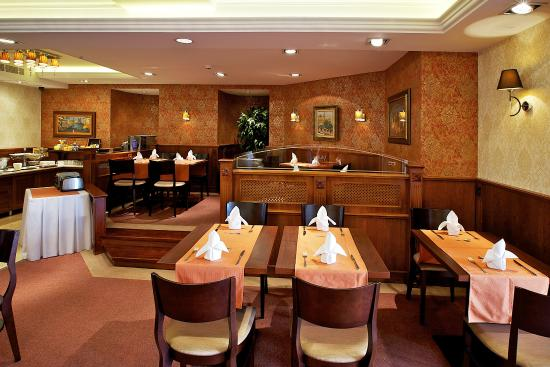 Gold Hotel Wine & Dine: Restaurant