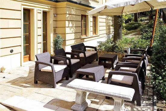 Gold Hotel Wine & Dine: Terrace