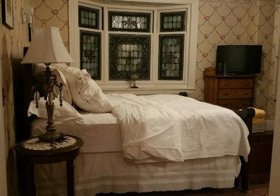 The Munroe Inn Photo