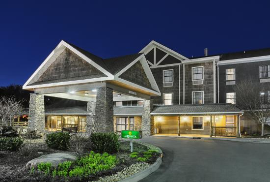LaQuinta Inn & Suites Boone: Outside
