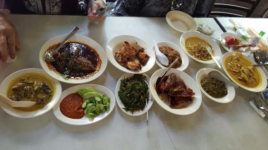 Aunty Aini's Garden Cafe