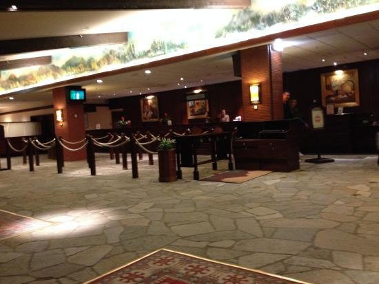 Accueil de l 39 h tel picture of disney 39 s sequoia lodge for Hotel sequoia lodge piscine