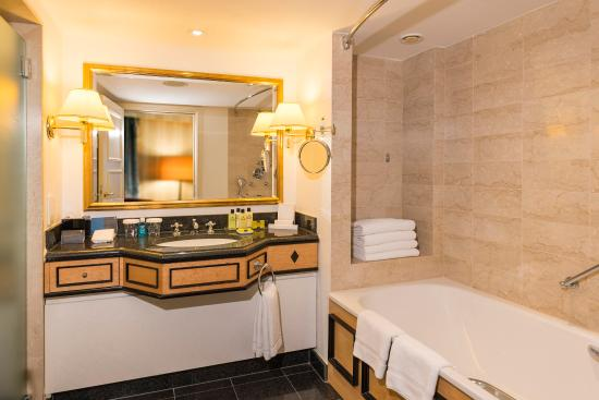 อินเตอร์คอนติเนนตัล เวียนนา: Guestroom Bathroom