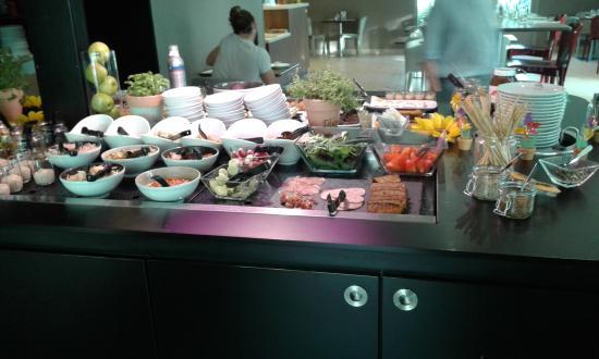 Taissy, Fransa: Le buffet salé