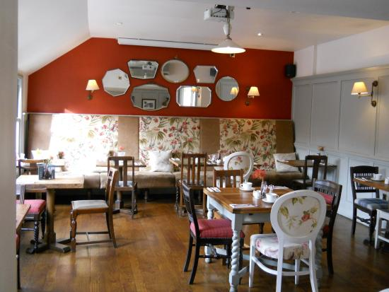 Duke's Head Hotel Wallington: One of two dining rooms