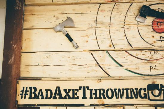 ‪Bad Axe Throwing‬