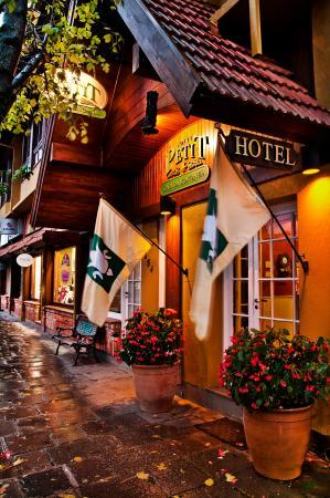 Hotel Petit Casa da Montanha: Fachada do Hotel