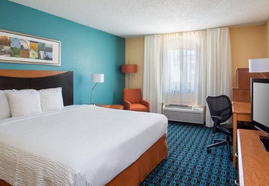 Temple, TX: King Guest Room
