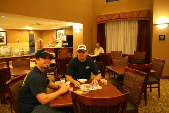 Madisonville, KY: Breakfast Seating Area