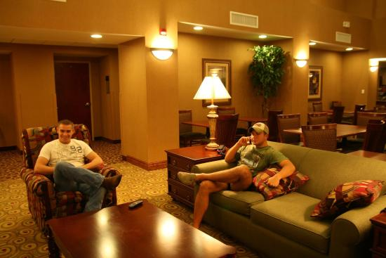 Madisonville, KY: Lobby Seating