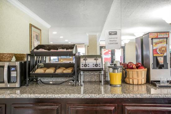 Rodeway Inn Gardena: Breakfast