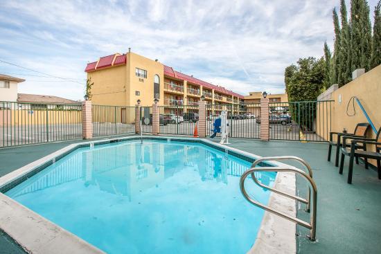 Rodeway Inn Gardena: Pool