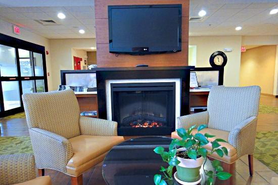 Hampton Inn and Suites Tilton: Lobby