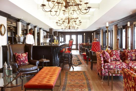 The Oyster Box: The Lighthouse Bar